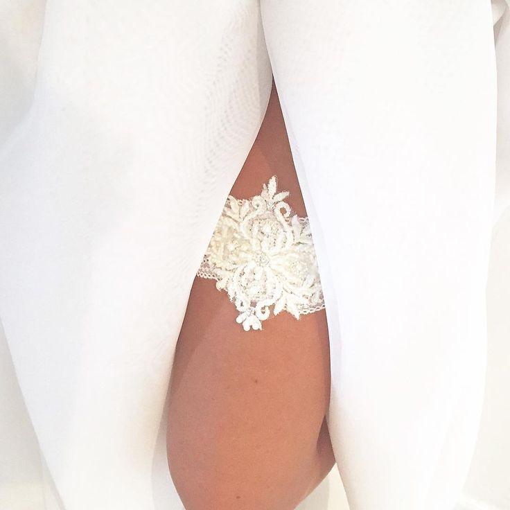 Ivory #podwiazka #slub #pannamloda #prezent #niespodzianka #woman #wedding #garter #bride #bridal #gift #wesele #podarunek #handemade #slubnepomysly #ozdobyslubne #slubneinspiracje #kobieta #koronka #weddingidea #milosc #wieczorpanienski #dodatkislubne #bieliznaslubna #lingerie #trojmiasto #musthave #sukniaslubna #zareczyny #podwiązka
