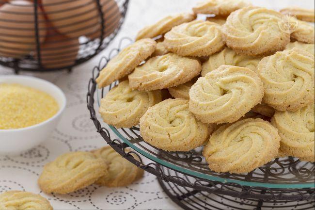 Le paste di meliga sono biscotti molto friabili di origine piemontese preparati con farina 00 e farina di mais fioretto.