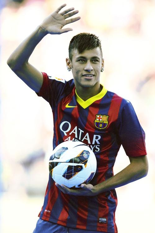 #Neymar 2013-2014,jugador de La Selección Brasileña actualmente juega en el Barcelona