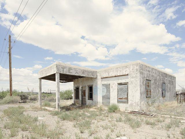 Iñaki Bergera Photography: gasstation14