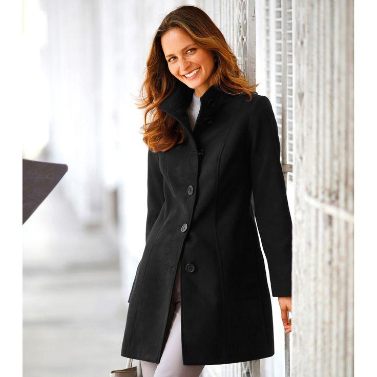 On craque pour le manteau Blancheporte et son aspect drap de laine, impeccable en toute circonstance…