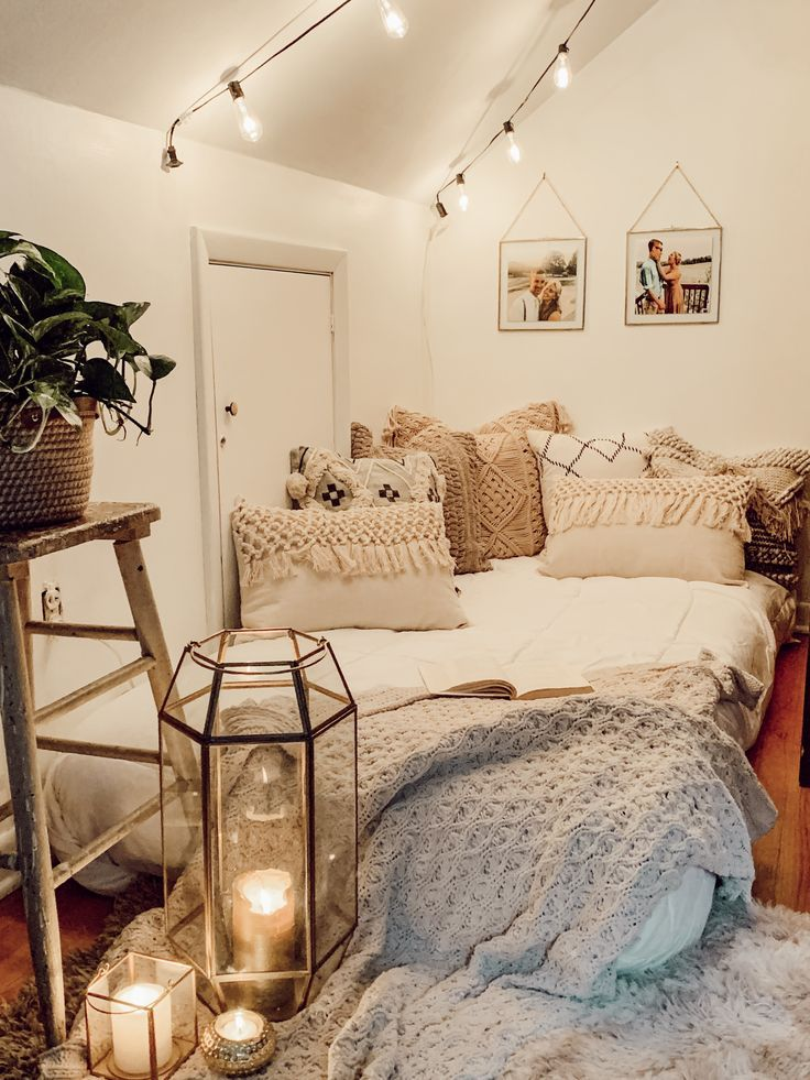 Pin By Naomimission On Bedroom Ideas Redecorate Bedroom Bedroom Inspiration Cozy Bedroom Ambiance