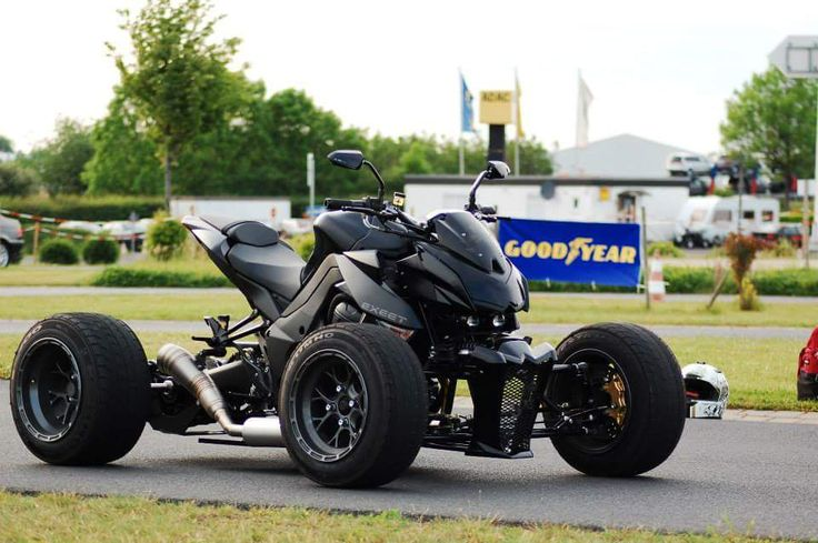Exeet motorcycle quad conversion. Kawasaki z1000 modified. Exeet Blackbull