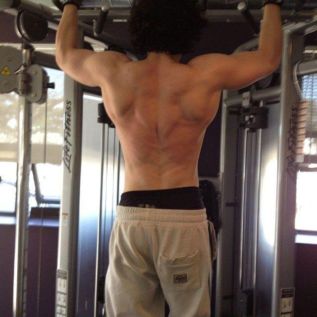 10 Life-Affirming Photos of Kit Harington Exercising - http://www.celebrity-juice.com/10-life-affirming-photos-of-kit-harington-exercising/