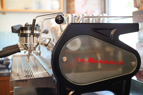 la marzocco 39 s strada espresso machine oh god a. Black Bedroom Furniture Sets. Home Design Ideas