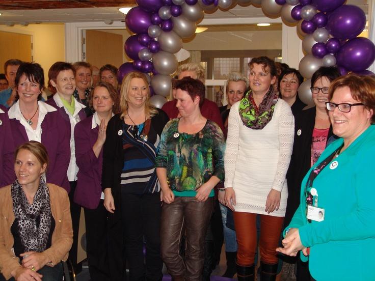 Nogmaals het team van het nieuwe dagbehandelingscentrum, met linksvoor Esther Vergeer