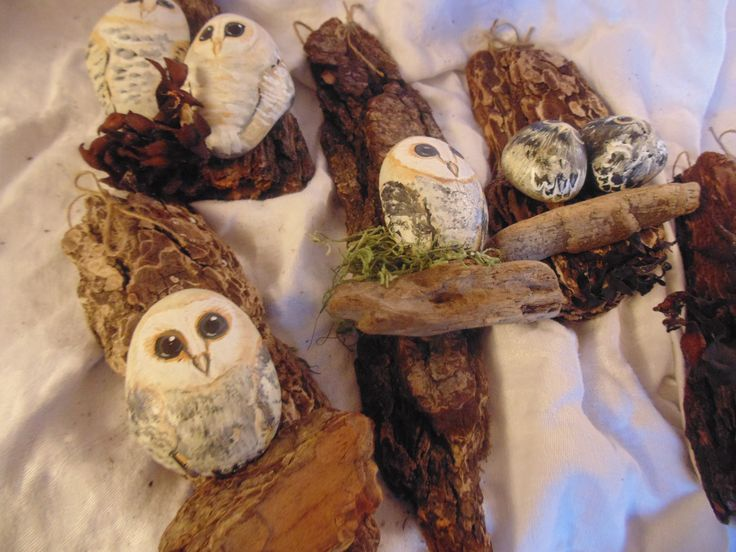 Wall hanging owls, hand painted rocks on drift wood.
