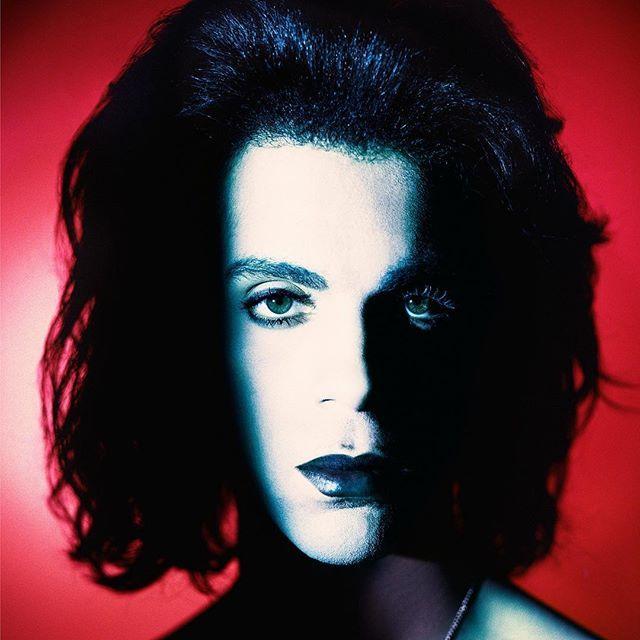 Matthew Rolston: Beautylight • Prince: Portrait in Psychedelic Colors. Los Angeles 1988 © Copyright Matthew Rolston Photographer #PRINCE4EVER #ICON #GOAT #LEGEND #matthewrolstonphotography #matthewrolston #PRINCE #BATMAN #SCANDALOUS #LOVESEXY #BEAUTYLIGHT