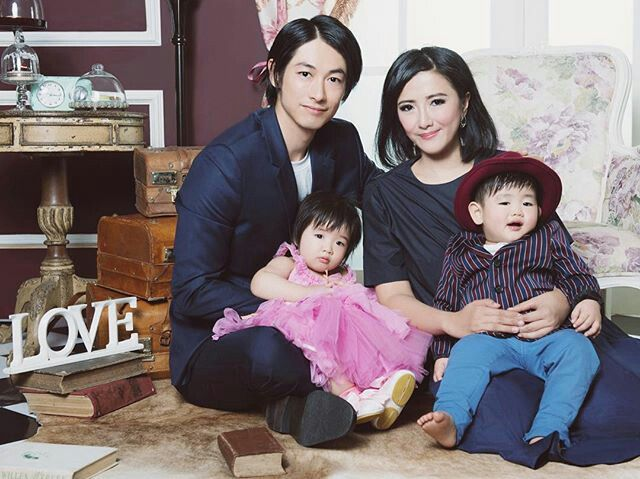 Dean Fujioka and family...cute family