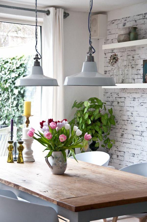 Keramik Vase mit Tulpen