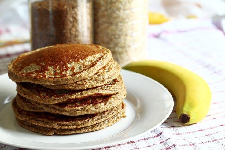 pour 16 pancakes2SP/ Pancakes 2 œufs90g de farine de Chataignes60g de farine de blé35g de sucre roux150 ml de lait demi ecreme1/2 sachet de levure Separer les jaunes des blancs d'œufs. Monter les blancs en neige.Dans le thermomix, mettre les jaunes, les...