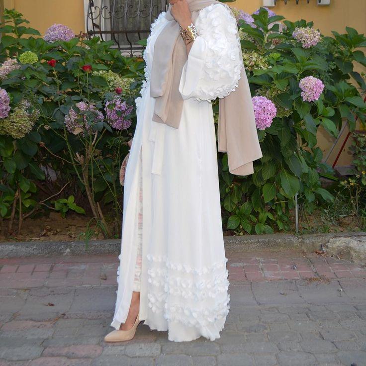 White Abaya #EsteeAudra