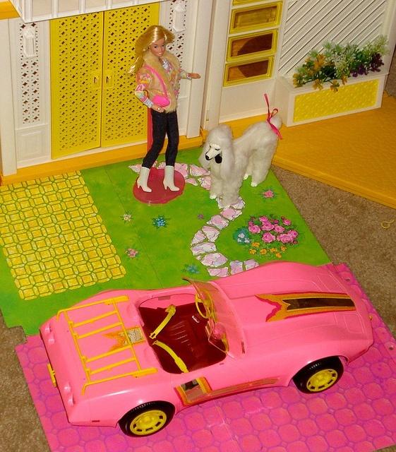 17 best images about barbie doll houses on pinterest. Black Bedroom Furniture Sets. Home Design Ideas