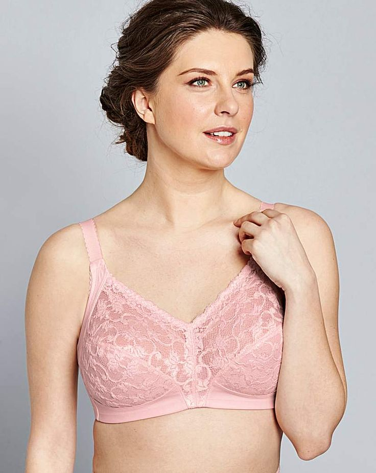 Triumph Delicate Doreen Pale Pink Bra: Introducing the elegant, delicate Doreen non-wired bra to Triumph's collection. Crafted from modern…