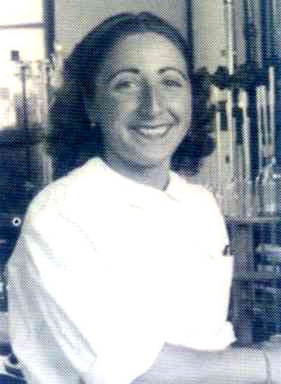 Sara Borrell (1917) Destacada por sus trabajos pioneros sobre análisis y metabolismo de hormonas esteroides, sus capacidades investigadoras y su trayectoria académica como una de las primeras expertas españolas en el metabolismo hormonal