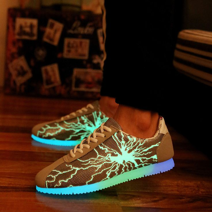 Light Up Shoes For Adults Casual Men Shoes Breathable Snake Print Automatic Glowing Shoes Walking Luminous Shoes Black+Grey