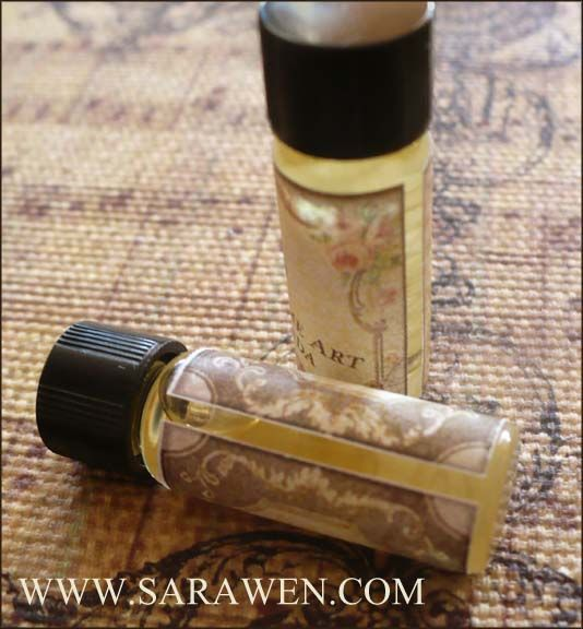 50% of proceeds, minus shipping & handling, from this perfume Set will go to [ASLAN'S CATS SANCTUARY.](http://aslanscats.org/cms/index.php) Aslan's cats is a 501(c)3 non-profit organization located in New York State, USA, dedicated to improving the lives of leukemia positive cats. Their Mission is to respect and show compassion for these animals. They aim to educate the public about this misunderstood disease through awareness.