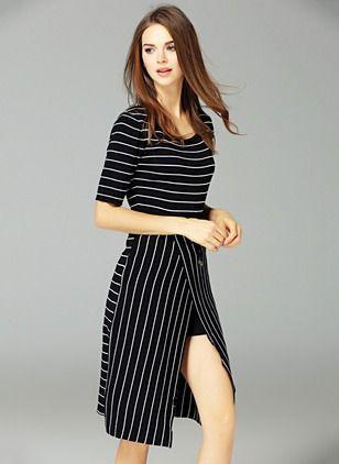 Повседневное платье из полиэстра длины асимметрично в полоску с короткыми рукавами