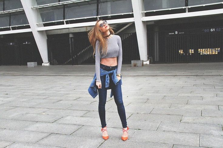 Anna Gotsyk - Boden Shoes, Topshop Jeans, Boden Shirt, Topshop Top, Prada Sunglasses - Cropped top. High waisted jeans.