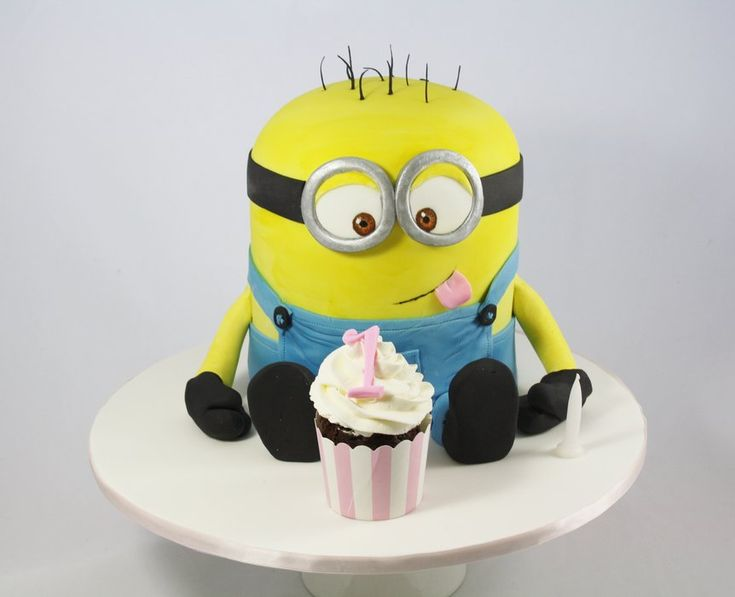 Minion loves Cupcakes - by DevilishCakesKiama @ CakesDecor.com - cake decorating website