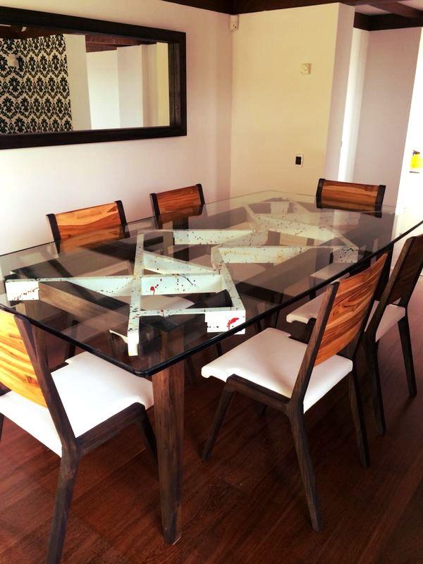 Comedor Tangram en madera maciza de Teca.  Para conocer más sobre nuestros productos te invitamos a conocer www.unodot.com