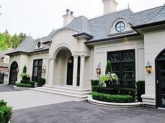 by Stucco Contractor Toronto