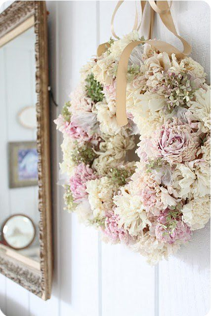 Perfect project for all my saved dry flowers from my hubby:))