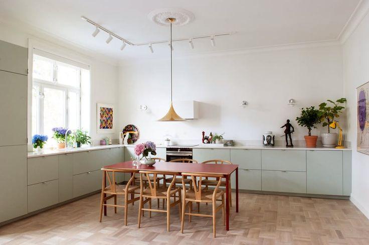kitchen/dining..