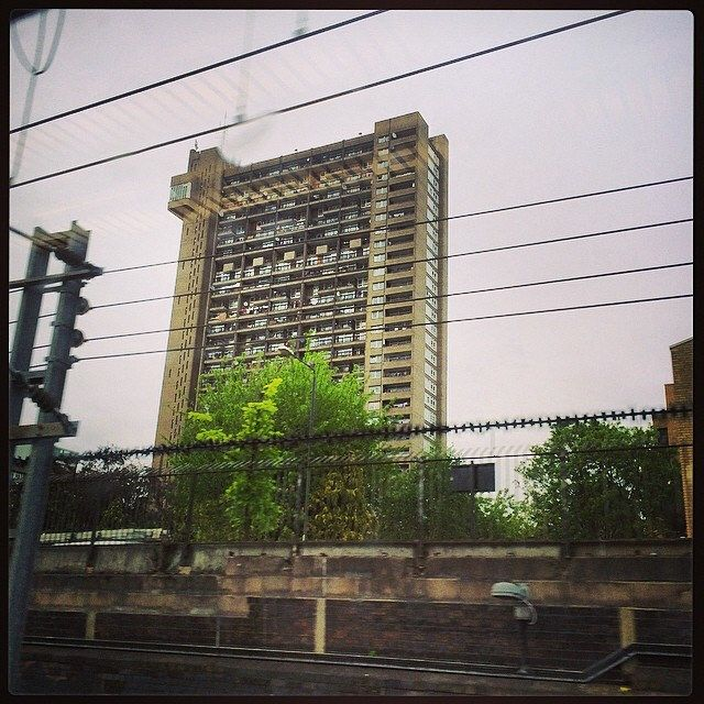 On the #firstgreatwestern #train to #westdrayton after a great #bankholiday #walkabout, noticed the #infamous #trellicktower. Opened in 1972 and #designed by #ernőgoldfinger a #monstrosity to the local #skyline. #brutal_architecture
