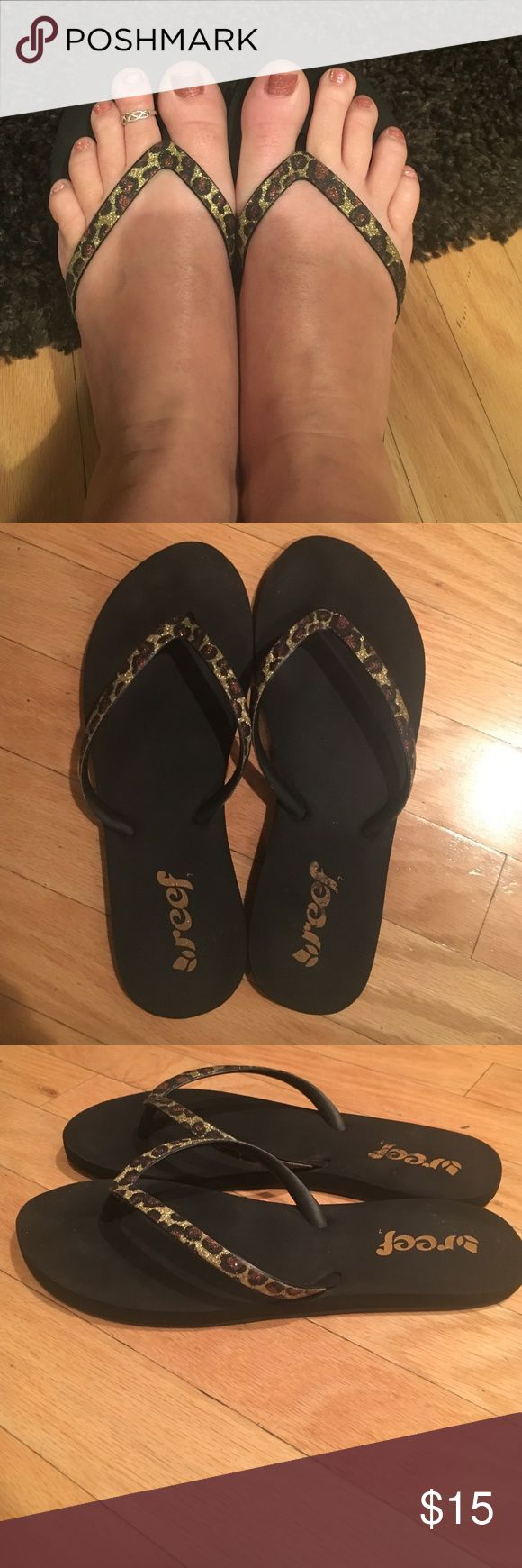 Women's Reef flip flops size 8 Super cute,leopard,glitter detail,Great shape,no flaws.Size 8 Reef Shoes Sandals