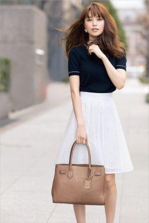清潔感のあるモノトーン!お嬢さんタイプにおすすめのコーデ♡お嬢さんOL系のファッション・スタイル♡