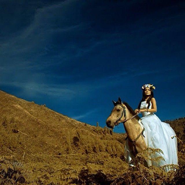 Indonesian Model ✔ Indonesian Photographer ✔ Indonesian Fashion ✔ Jakarta Fashion House ✔ #indonesianfashiondesigner #indonesianfashion #indonesiabrand #indostyling #localbrandindonesia #localbrand #lookbookindonesia #jktfhouse