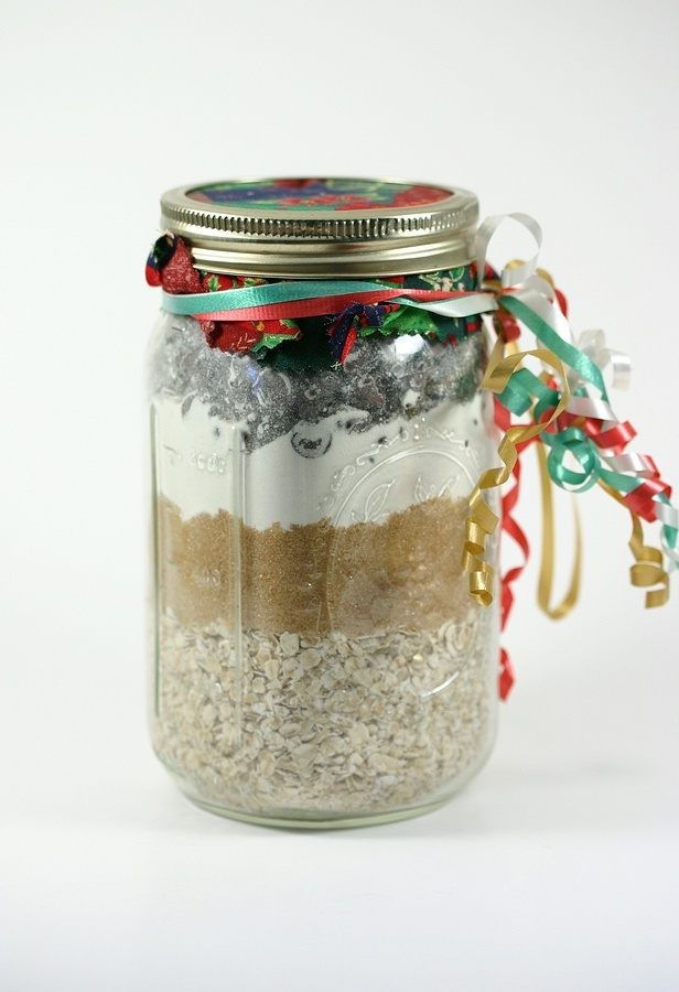 Gifts in a jar recipes: cookies, soups, candy, breads and more!! I am having the kids do these DIY Christmas gifts for family and friends this year!!!