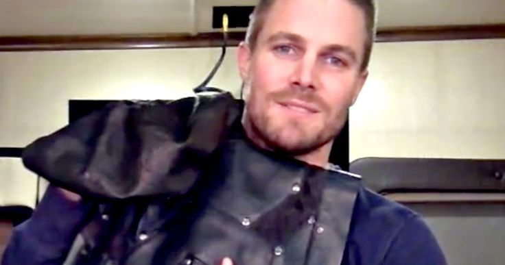 'Arrow' Is Getting in the Ring at SummerSlam 2015 -- 'Arrow' star Stephen Amell will wear his new Green Arrow costume during his fight against Stardust. -- http://movieweb.com/summerslam-2015-green-arrow-stephen-amell/