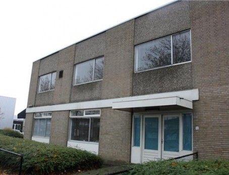 Opzoek naar #kantoorruimte of #bedrijfsruimte in #Dordrecht ? #Bied geheel #vrijblijvend op de #huurprijs op alle objecten in #Dordrecht. Bekijk ze snel : http://lnkd.in/d-6AkjP #tehuur #vastgoed #mkb #verhuizen #zuidholland #huren #drechtsteden