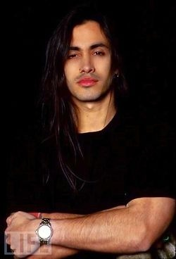 Nuno Bettencourt - guitarist for Extreme Damn...I had not planned on adding men, but WHOA!