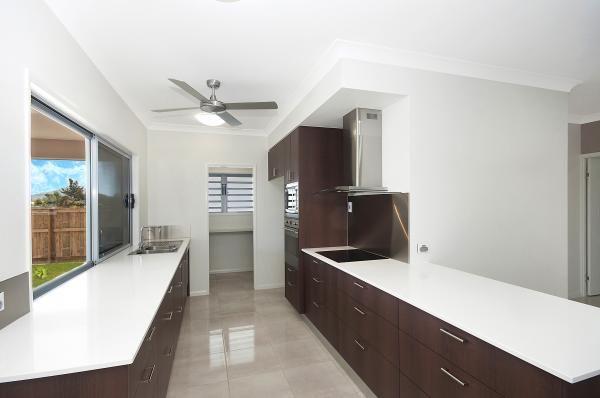 Kitchen  www.martinlockehomes.com.au  Townsville's Award Winning Builder
