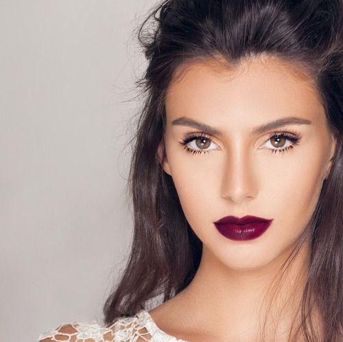 dark lips with natural eyeshadow