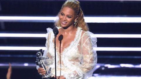 Beyonce se adueñó de los Premios MTV a los Videos Musicales