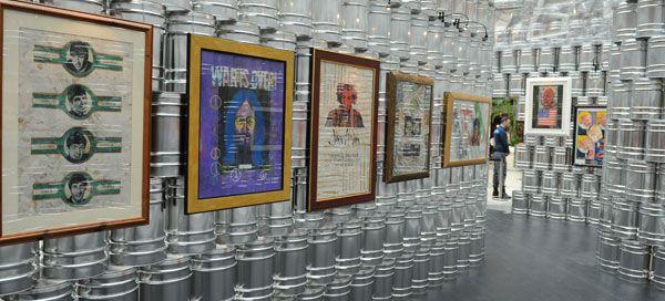 Um total de 32 obras de Andy Warhol e Pietro Psaier compõe a exposição, que estará patente até ao dia 11 de julho. A curadoria é da responsabilidade do crítico e historiador de arte italiano Maurizio Vanni e conta com Guta Moura Guedes como embaixadora.