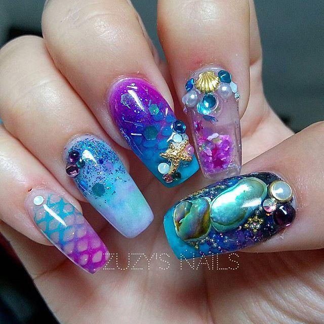 Aquarium Nail Art by @zuzysnails #aquariumnails #waternails