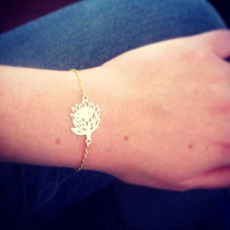 Delicate #protea bracelet in #yellowgold #bespoke #jewelry #jewellery