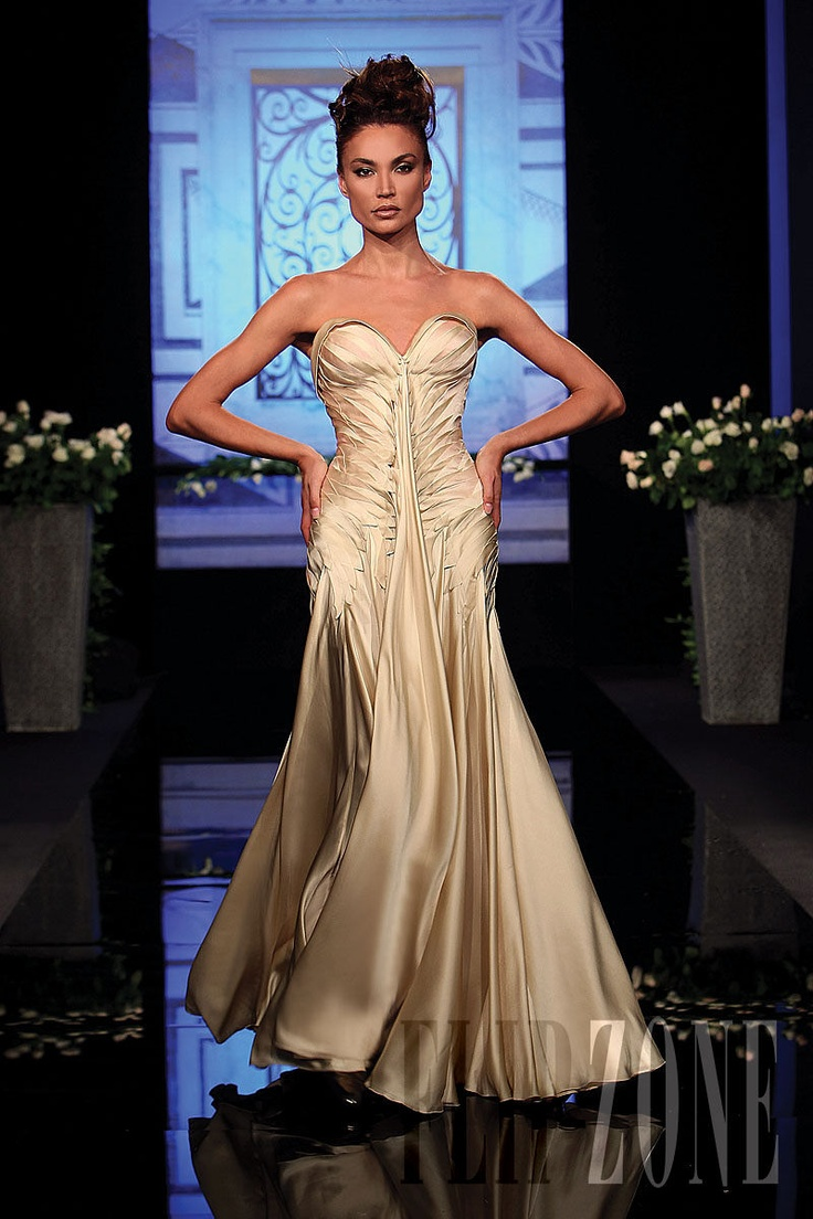 1000+ images about Randa Salamoun-Luxury gowns on Pinterest | Couture ...