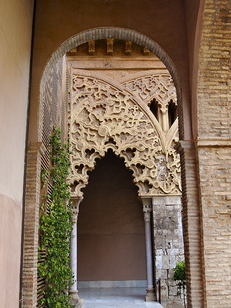 PALACIO DE LA ALJAFERÍA (Zaragoza) Spain by Lois Anton, via Flickr   - Explore the World, one Country at a Time. http://TravelNerdNici.com