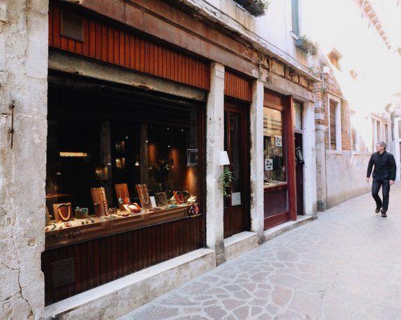 PMD SHOP , San Barnaba Venezia.