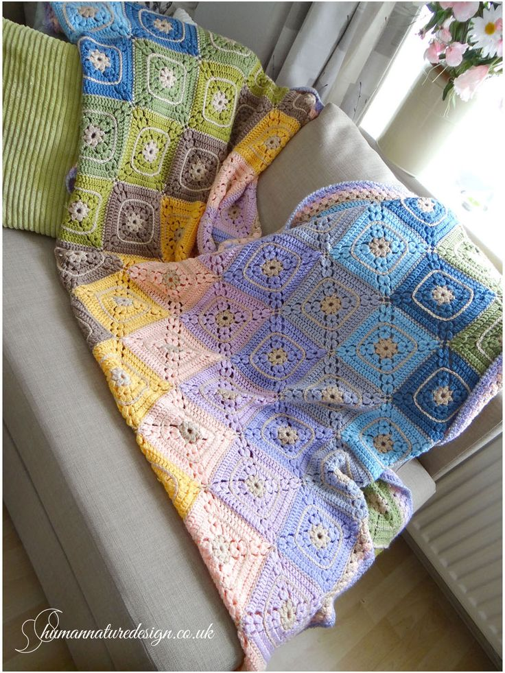 Pastel, crocheted blanket/throw - cluster cross granny square / Szydełkowy, pastelowy koc ('cluster cross granny square')