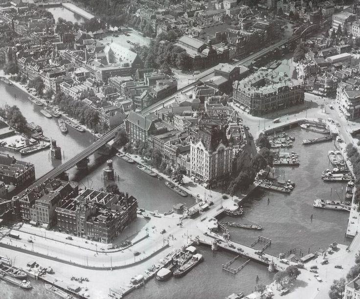 Oude Haven , met links het Witte Huis aan het begin van de Wijnhaven (jaartal: 1930 tot 1940) - Foto's SERC