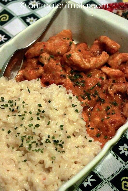 L'Antro dell'Alchimista: Bocconcini di Pollo al Curry con Riso al Vapore - Chicken Curry with Steamed Rice