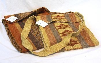 Artesanía: cultura mapuche. Morral de lana