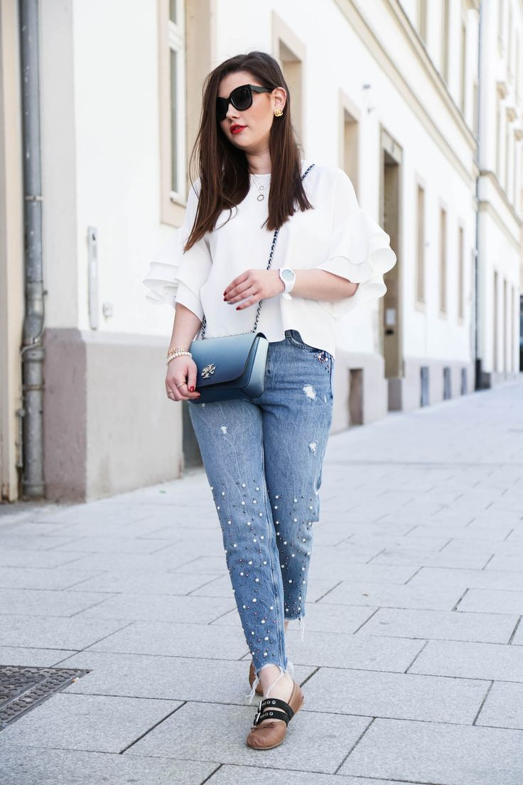 Fashion Blogger Outfit mit Perlen Jeans